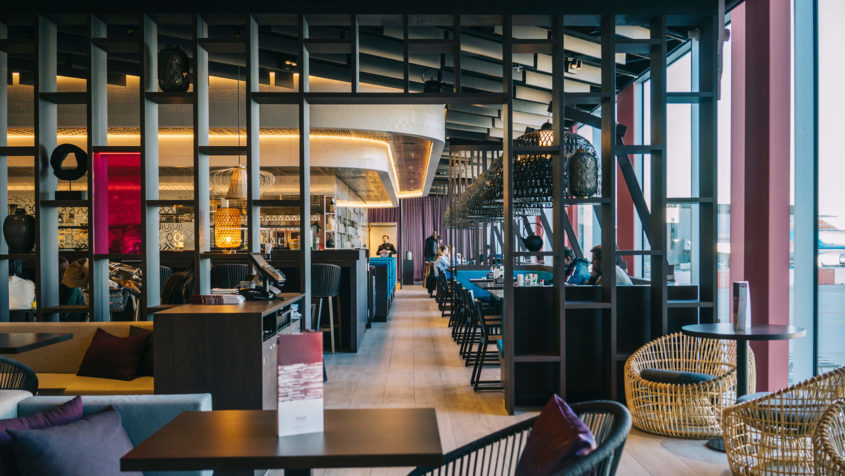 UXUS-designed brasserie opens at Schiphol Airport